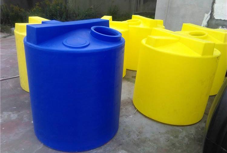 <b>500L塑料加药箱_搅拌桶厂家直销批发价格</b>