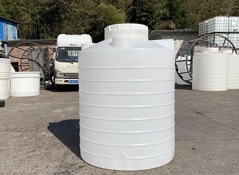 3吨塑料水箱_塑料水塔_化工储罐