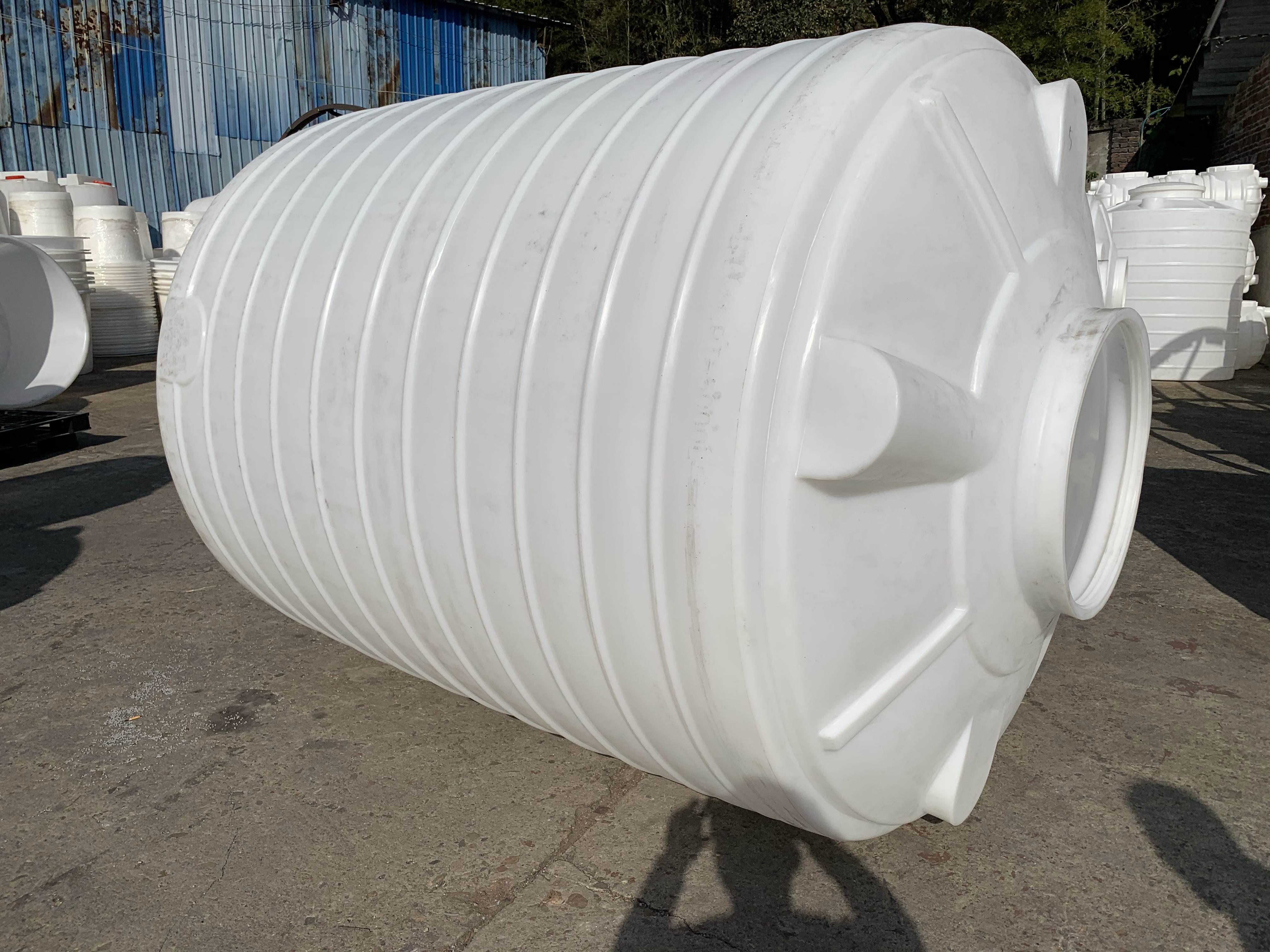 <b>10吨塑料水箱_塑料水塔_化工储罐</b>