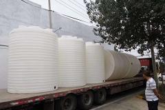 「化工储罐」塑料水箱与化工储罐一样吗 化工储罐防腐吗
