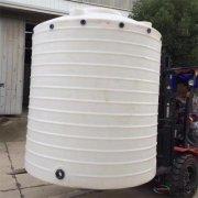 <b>「厦门20吨pe水塔」PE水箱厂家打孔位置说明 塑料水塔出水口为什么离地面一定</b>